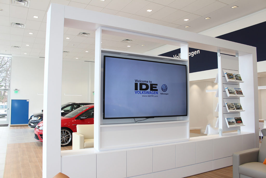 auto dealership digital signage