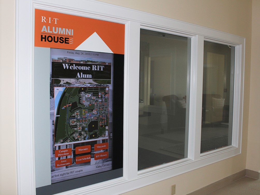 window digital signage, window touch screen, interactive window, interactive map, touchscreen map, window map